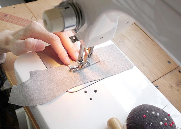 縫製中の風景